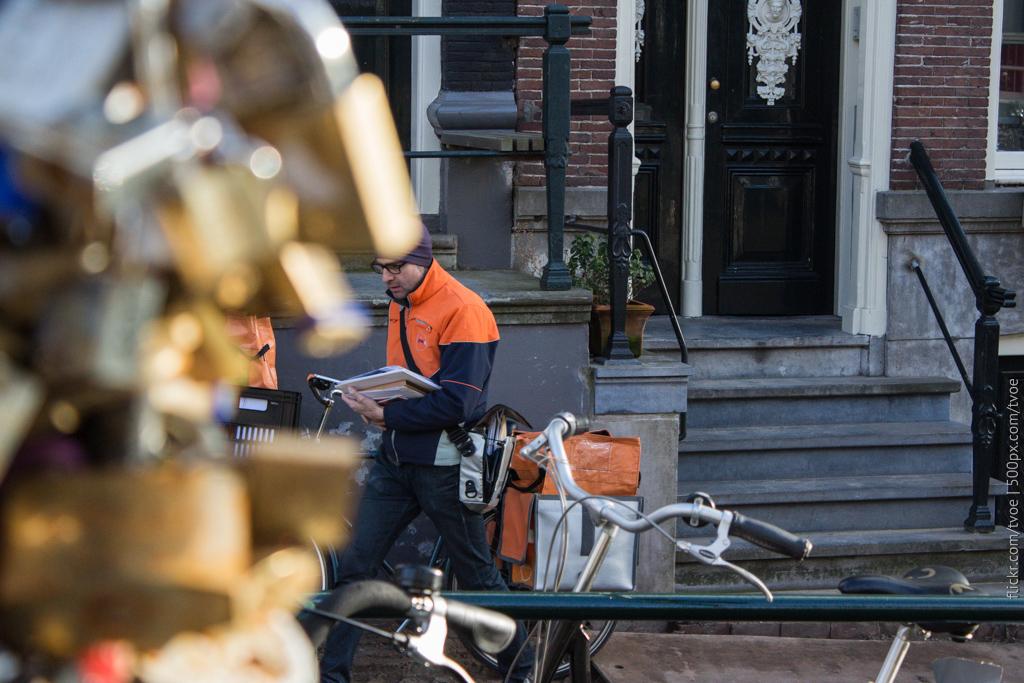 Почтальон в Амстердаме
