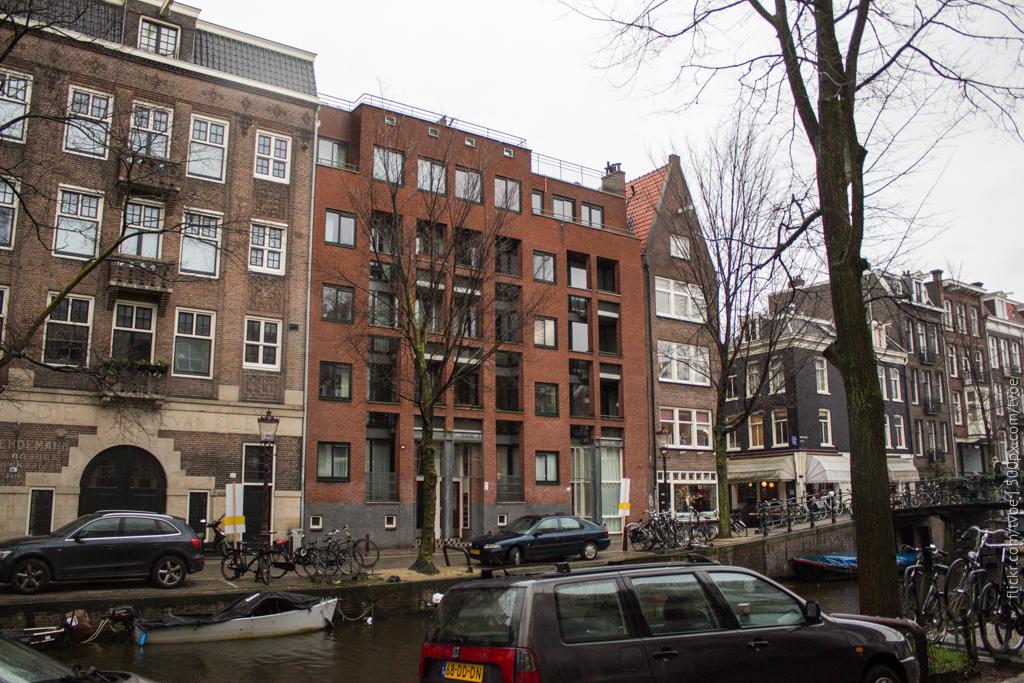 Новый дом в центре Амстердама